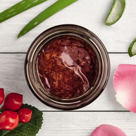 Briti roosiõite värskendav ja toitev mask