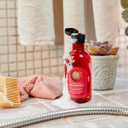 Шампунь для блеска волос Клубника